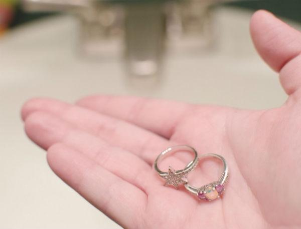 limpiar anillos plateados