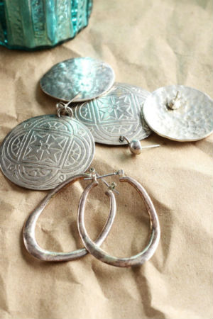 Como limpiar la plata los mejores trucos caseros for Como limpiar un rosario de plata