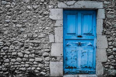 Arreglar tu puerta estropeada