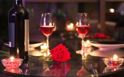 Consejos para hacer una cena romantica de exito el for Cena romantica que cocinar