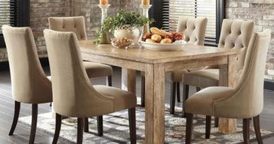 Mesas y sillas de diseno