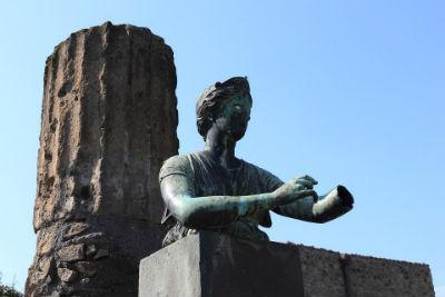 Estatua romana de Pompeya