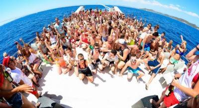 Fiesta en el mar Ibiza 2018