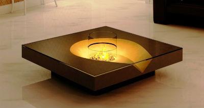Mesa con chimenea interior