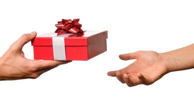 Envolver regalos con carton