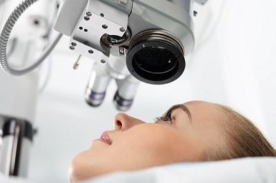 Oftalmologo para la presbicia