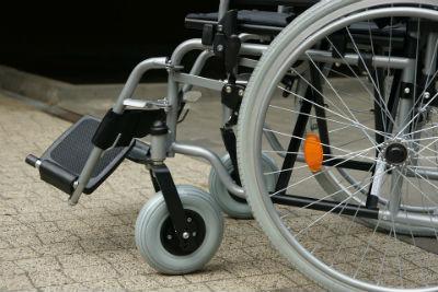 Consejos para diferenciar y elegir una silla de ruedas