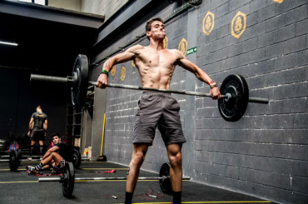 crossfit levantamiento de pesas