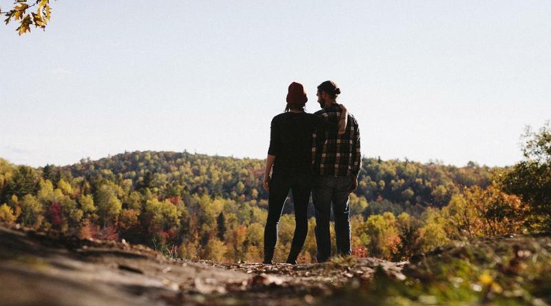Una pareja viaja alrededor del mundo