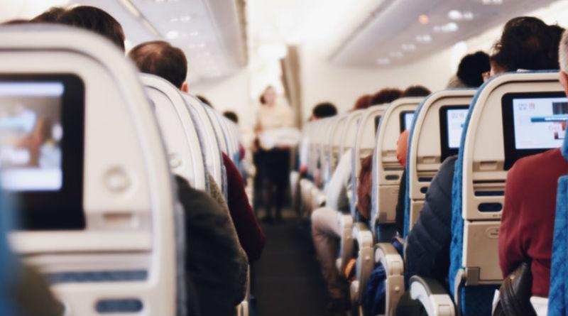 Como vestir para para un vuelo de larga distancia