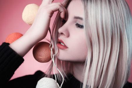 Mujer modelo maquillaje