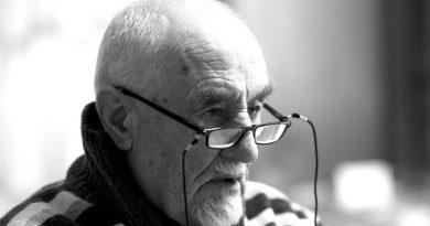 Atención y cuidado de personas mayores a domicilio